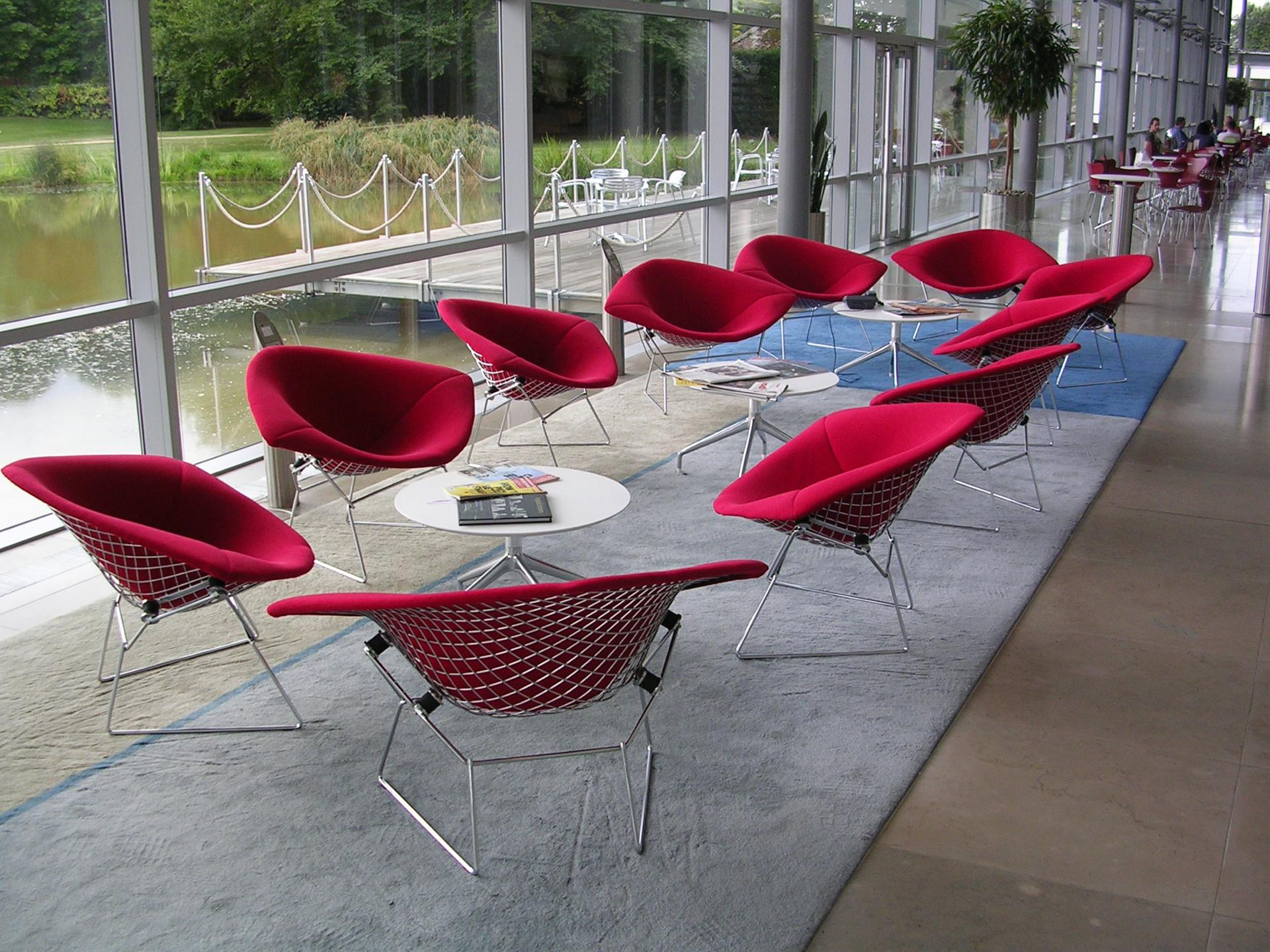 bertoia large diamond chair pyramide design. Black Bedroom Furniture Sets. Home Design Ideas